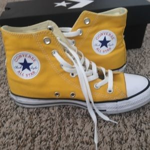 Bright yellow women's converse all star high top ✨